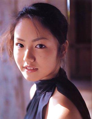 Asian Schoolgirl Boobs Pics