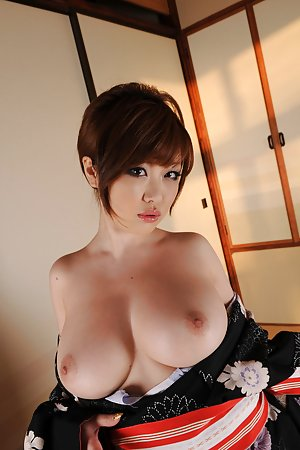 Big Chinese Boobs Pics