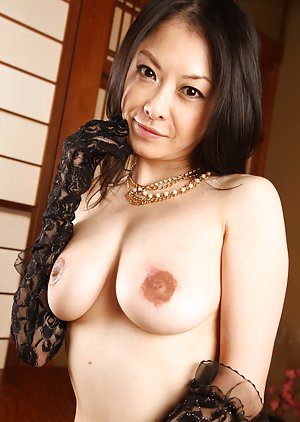 Asian Mature Boobs Pics